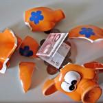 piggy bank with euro note 150x150 Assurance vie : la fiscalité sur les rachats