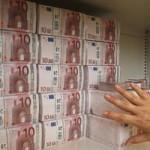 Une grosse somme d argent 150x150 Assurance vie : la fiscalité sur les rachats